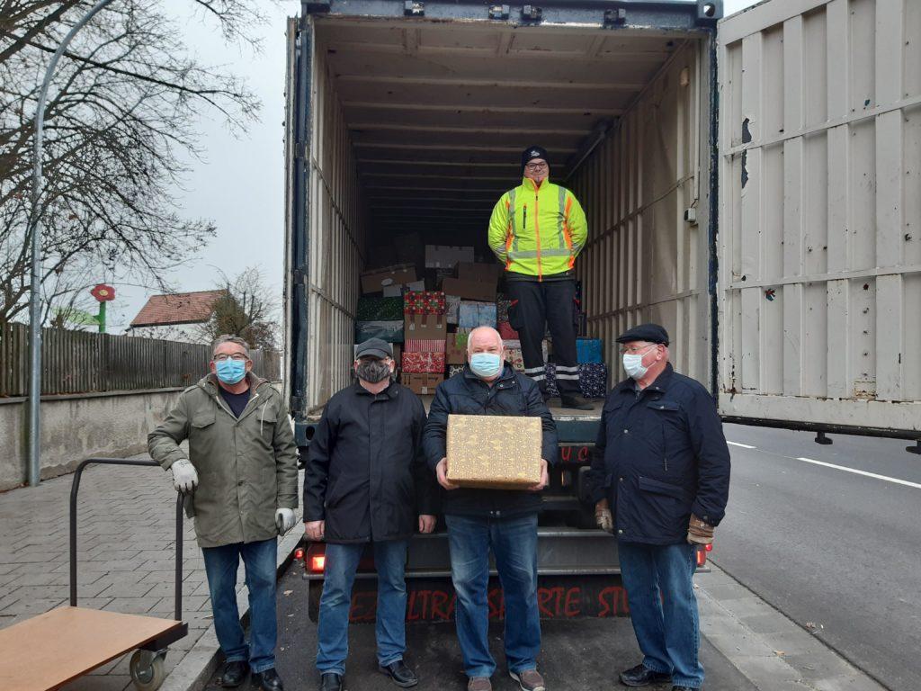 Weihnachtstruckeraktion 126 Pakete gespendet